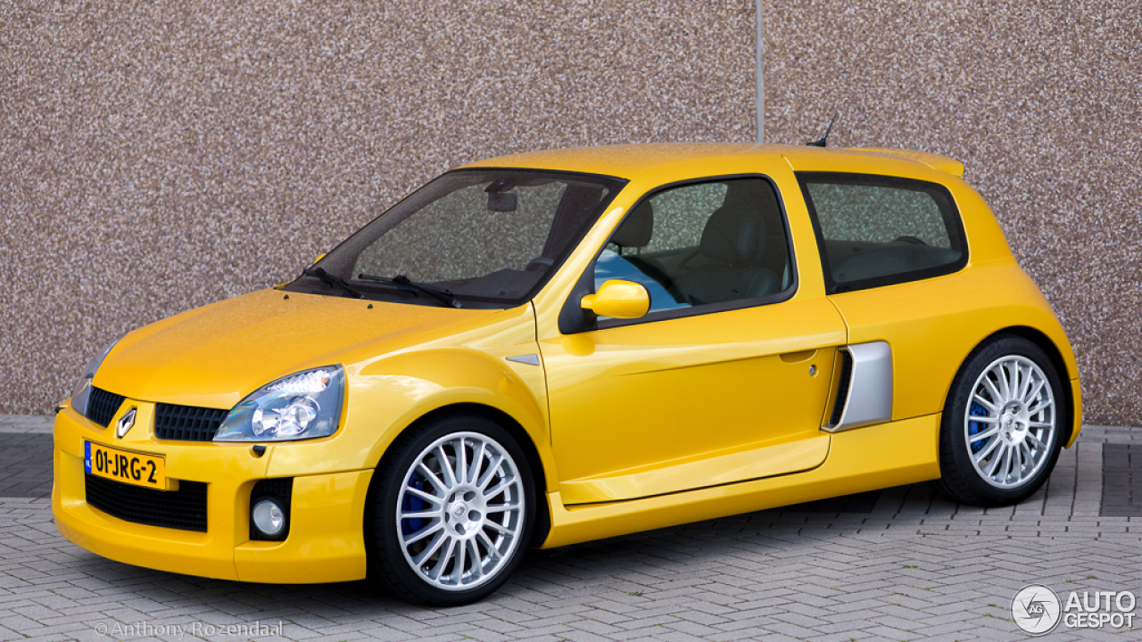 renault clio v6 phase ii 9 august 2013 autogespot. Black Bedroom Furniture Sets. Home Design Ideas