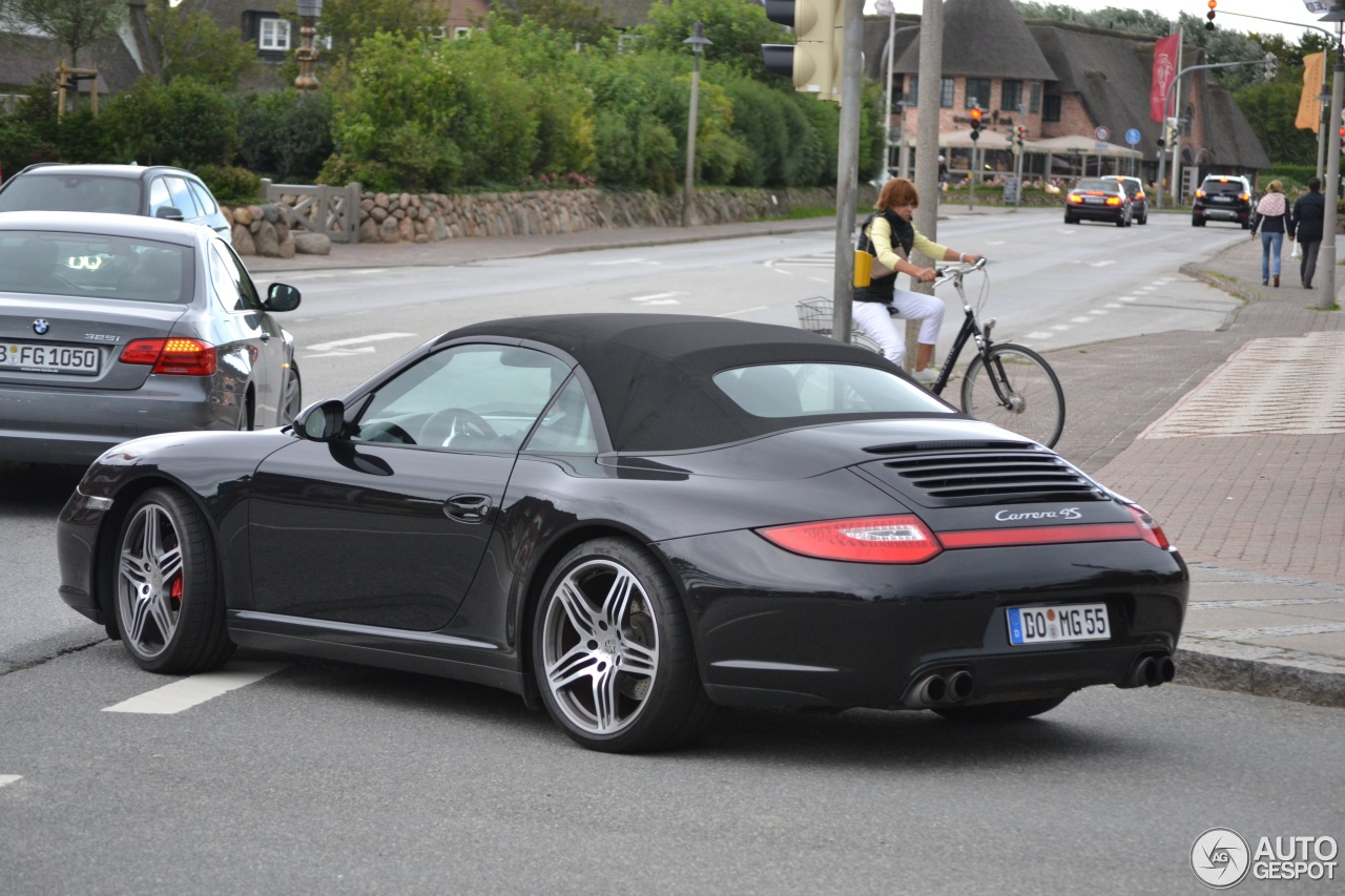 porsche 997 carrera 4s cabriolet mkii 11 ao t 2013 autogespot. Black Bedroom Furniture Sets. Home Design Ideas