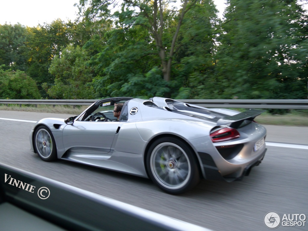 porsche 918 spyder weissach package 17 august 2013 autogespot. Black Bedroom Furniture Sets. Home Design Ideas