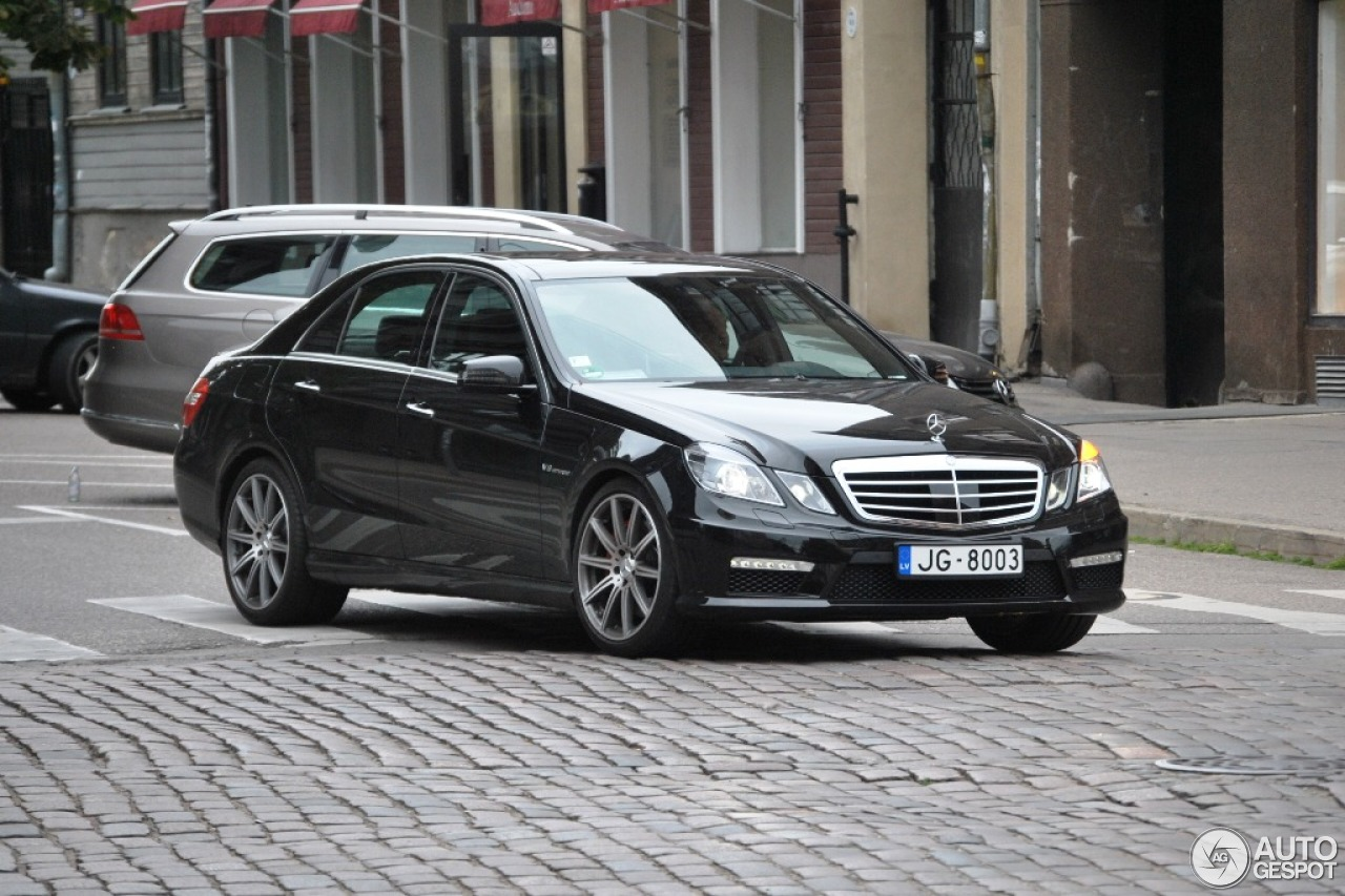 mercedes benz e 63 amg w212 v8 biturbo 19 august 2013 autogespot. Black Bedroom Furniture Sets. Home Design Ideas
