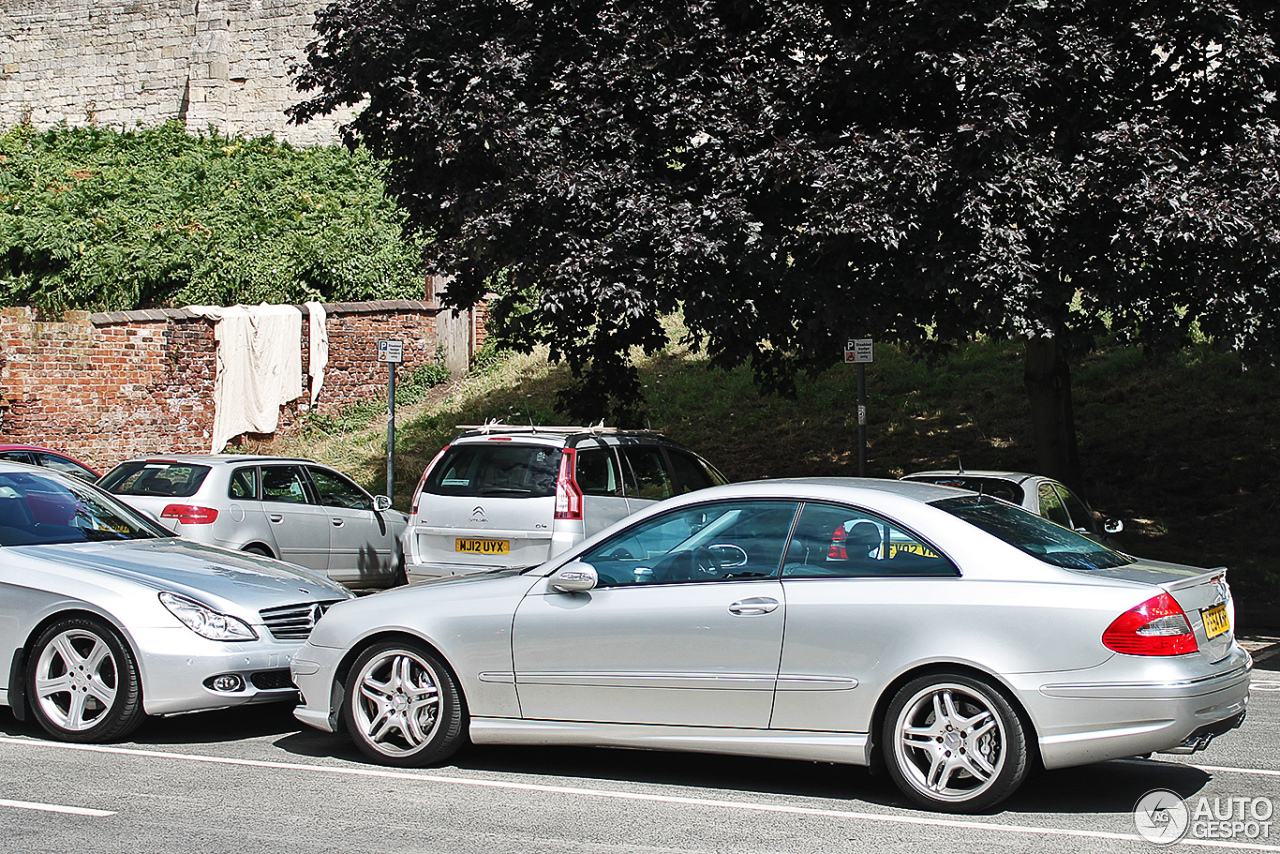 Mercedes benz clk 55 amg 20 august 2013 autogespot for Mercedes benz clk 2013