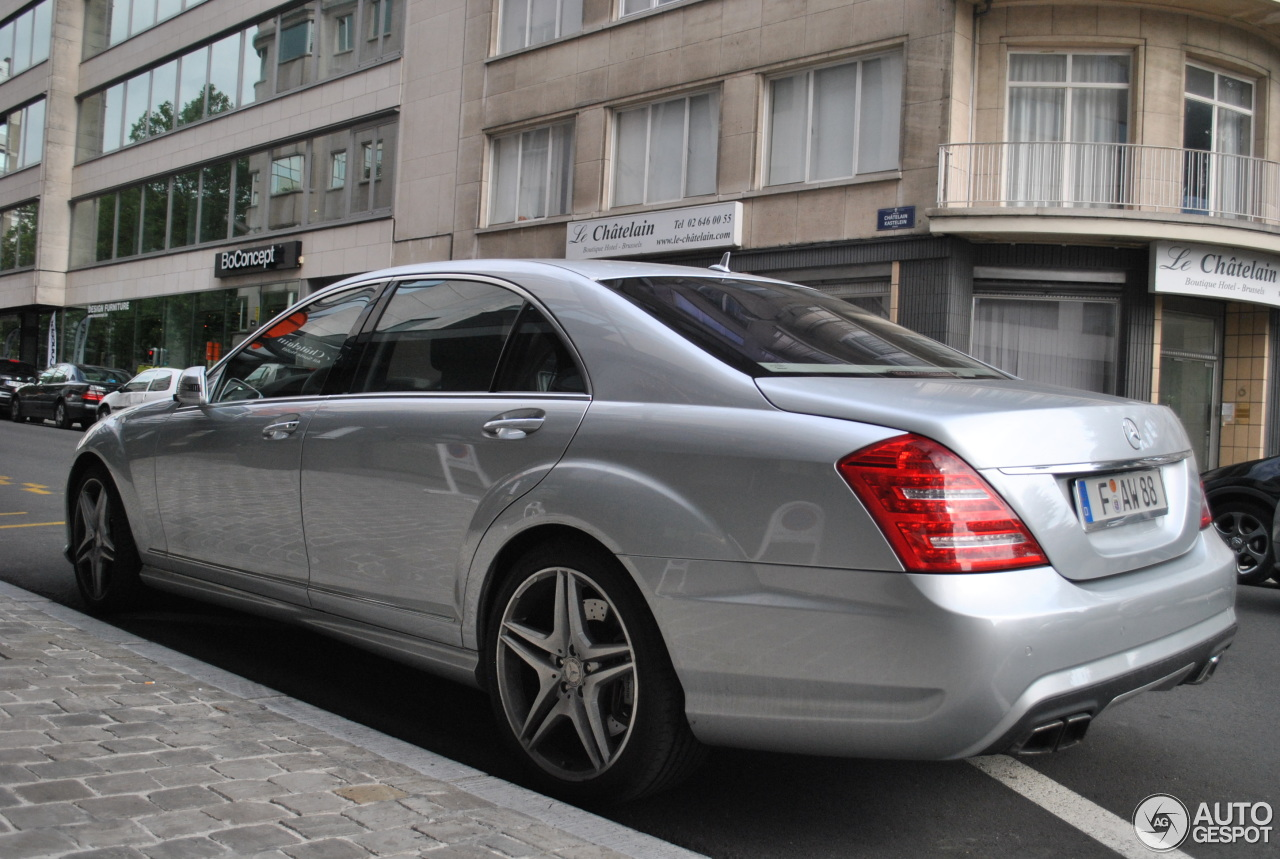 Mercedes benz s 63 amg w221 2011 20 august 2013 autogespot for Mercedes benz w221 price