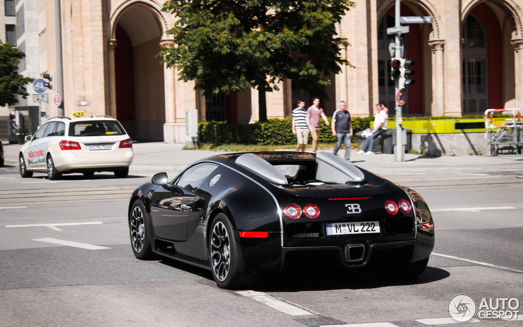 bugatti veyron 16 4 grand sport 21 august 2013 autogespot. Black Bedroom Furniture Sets. Home Design Ideas