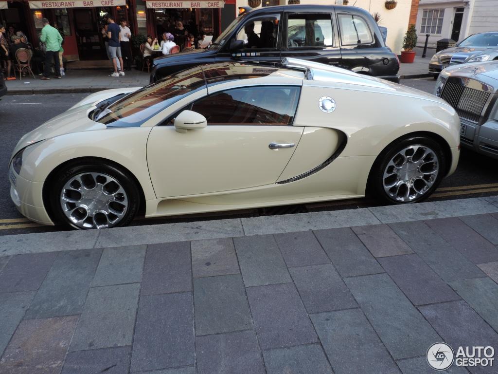bugatti veyron price uk 2013 bugatti veyron 16 4 grand sport 23 december 2013 autogespot. Black Bedroom Furniture Sets. Home Design Ideas