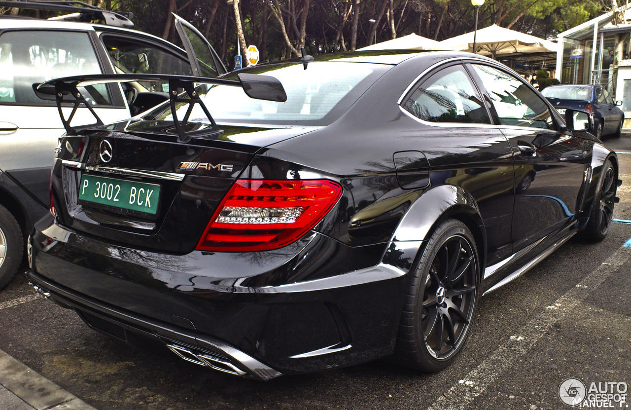 Mercedes benz c 63 amg coup black series 3 septiembre for Mercedes benz ag