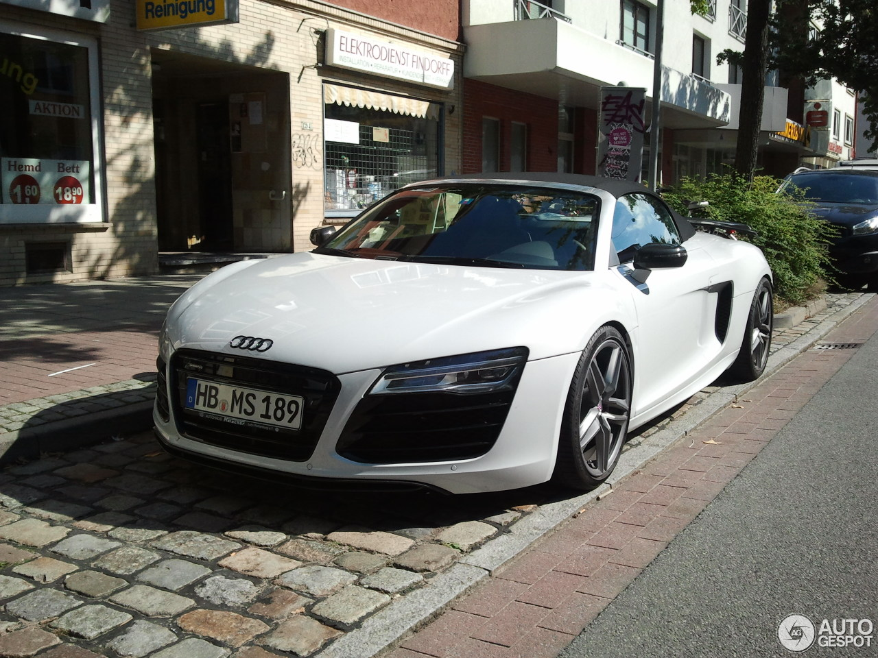 audi r8 v8 spyder 2013 13 september 2013 autogespot. Black Bedroom Furniture Sets. Home Design Ideas