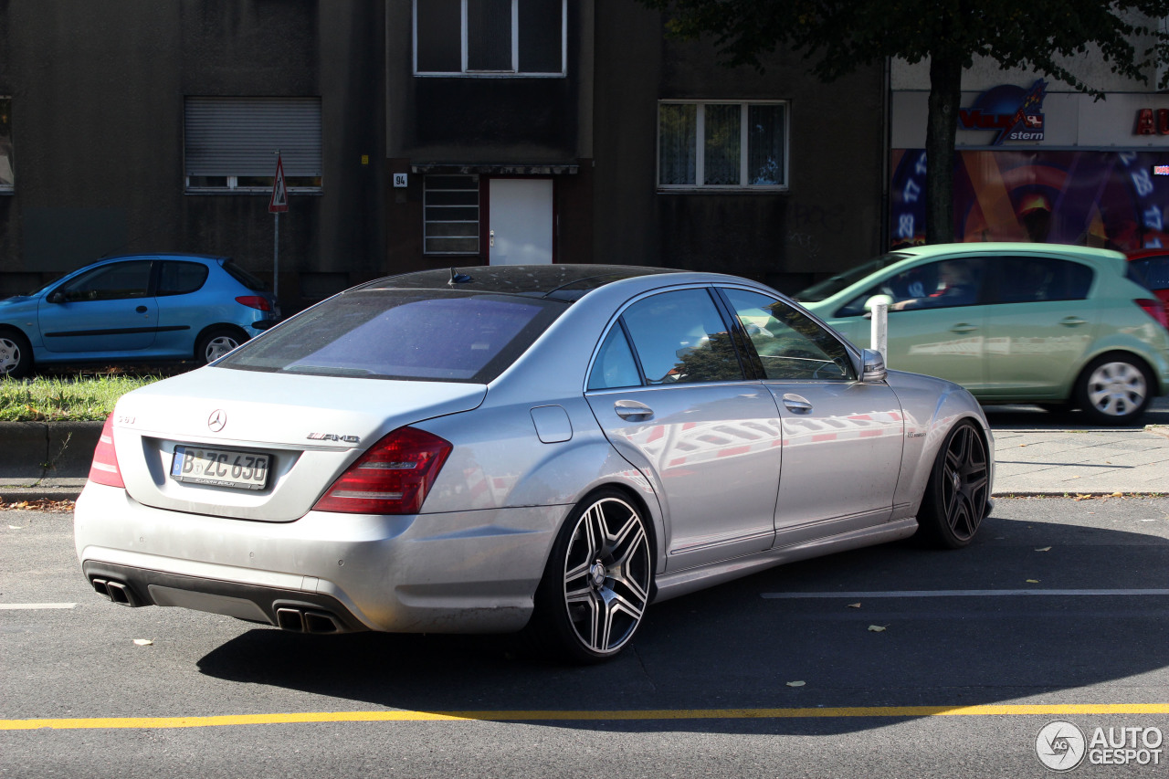 Mercedes benz s 63 amg w221 2011 28 september 2013 for Mercedes benz w221 price