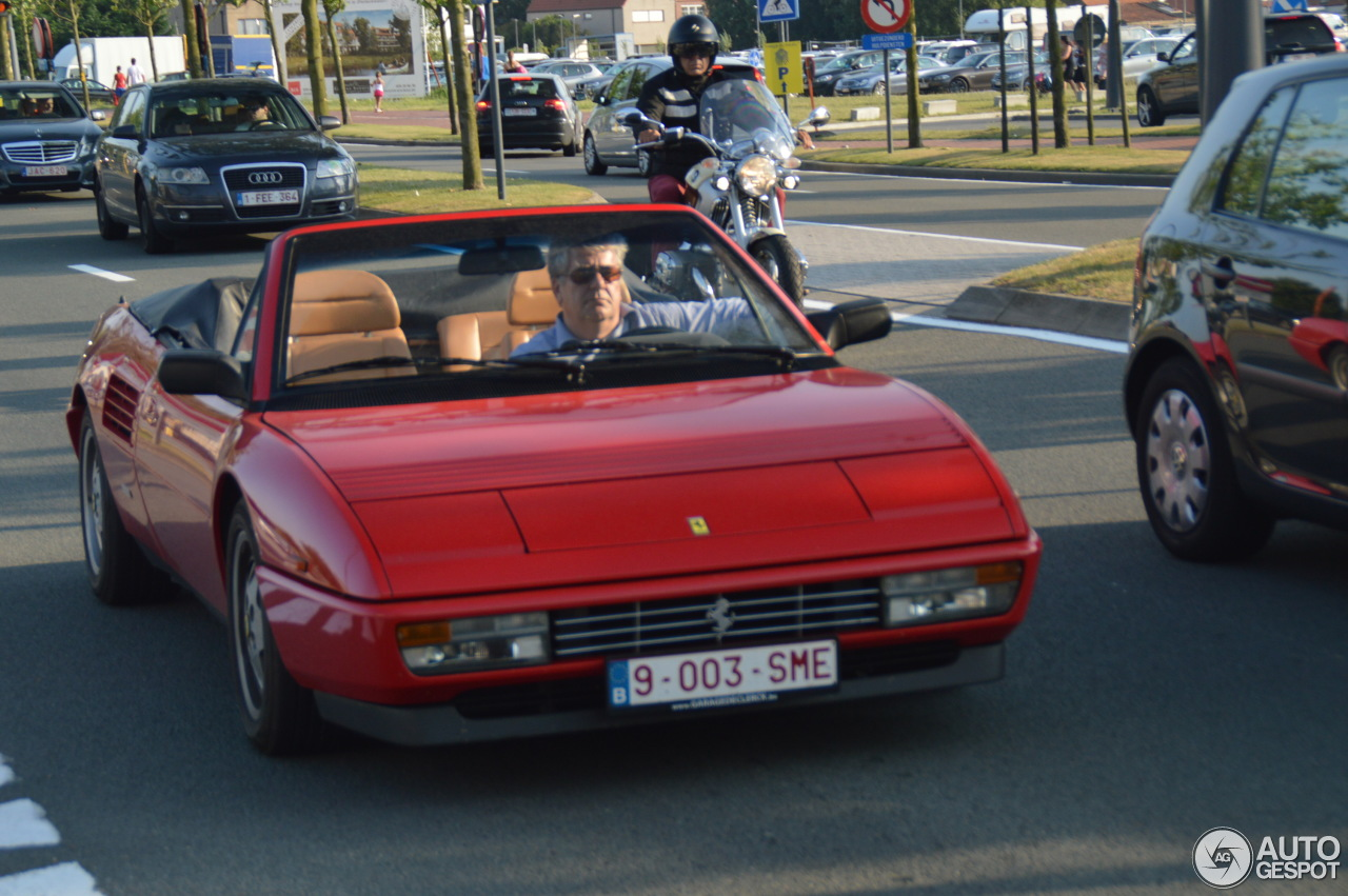 ferrari mondial t cabriolet 2 octobre 2013 autogespot. Black Bedroom Furniture Sets. Home Design Ideas