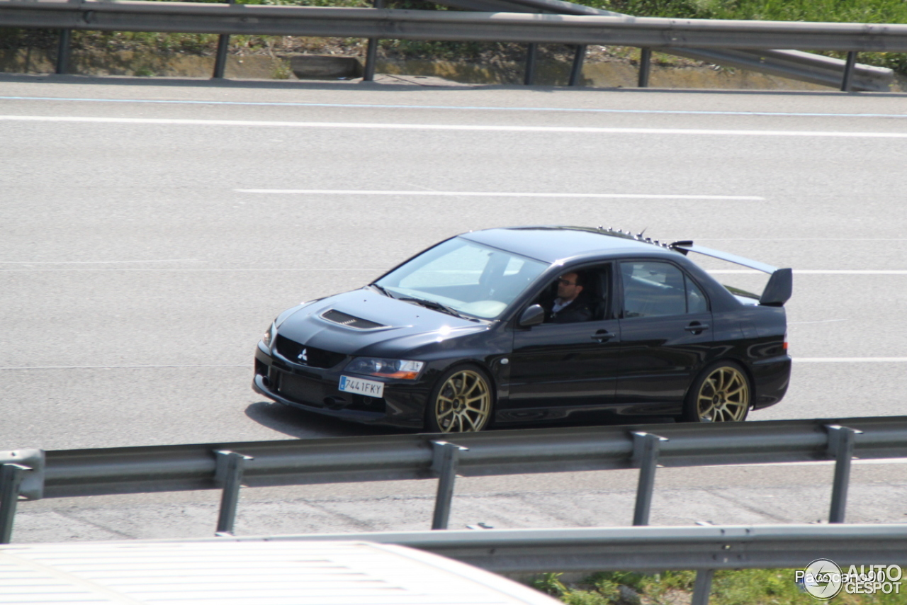 Mitsubishi Lancer Evolution IX MR - 7 October 2013 - Autogespot