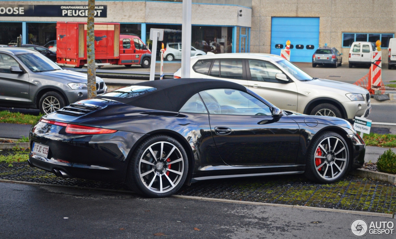 porsche 991 carrera 4s cabriolet 31 october 2013 autogespot. Black Bedroom Furniture Sets. Home Design Ideas