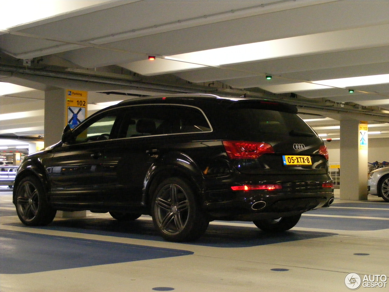 audi q7 v12 tdi 2 november 2013 autogespot. Black Bedroom Furniture Sets. Home Design Ideas