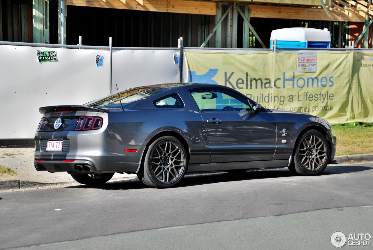 ford mustang shelby gt500 2013 3 november 2013 autogespot. Black Bedroom Furniture Sets. Home Design Ideas