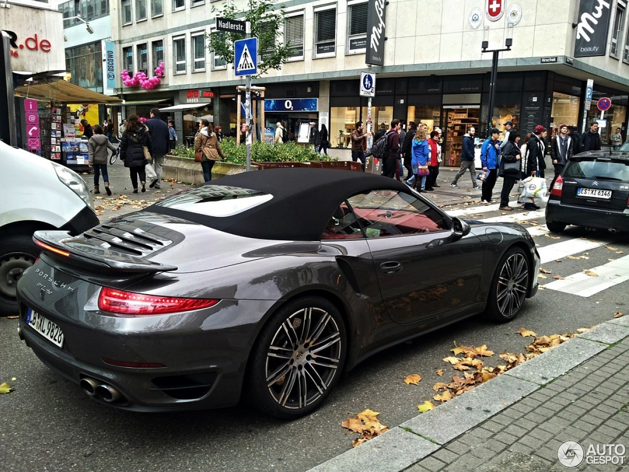 porsche 991 turbo cabriolet 7 november 2013 autogespot. Black Bedroom Furniture Sets. Home Design Ideas