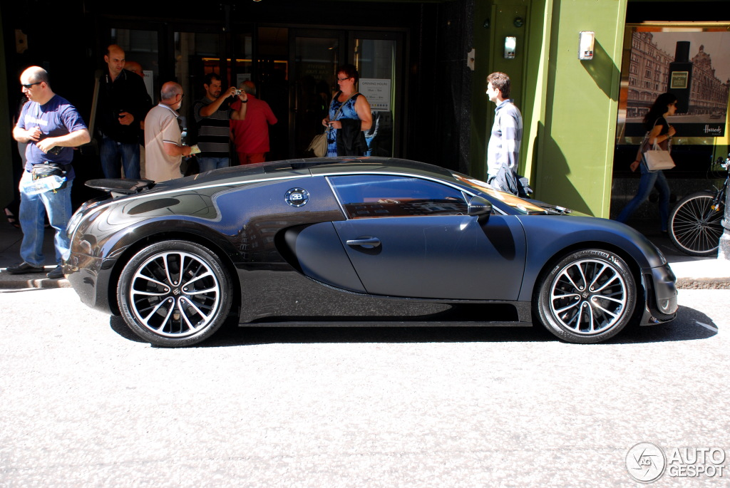 bugatti veyron 16 4 super sport sang noir 8 november 2013 autogespot. Black Bedroom Furniture Sets. Home Design Ideas