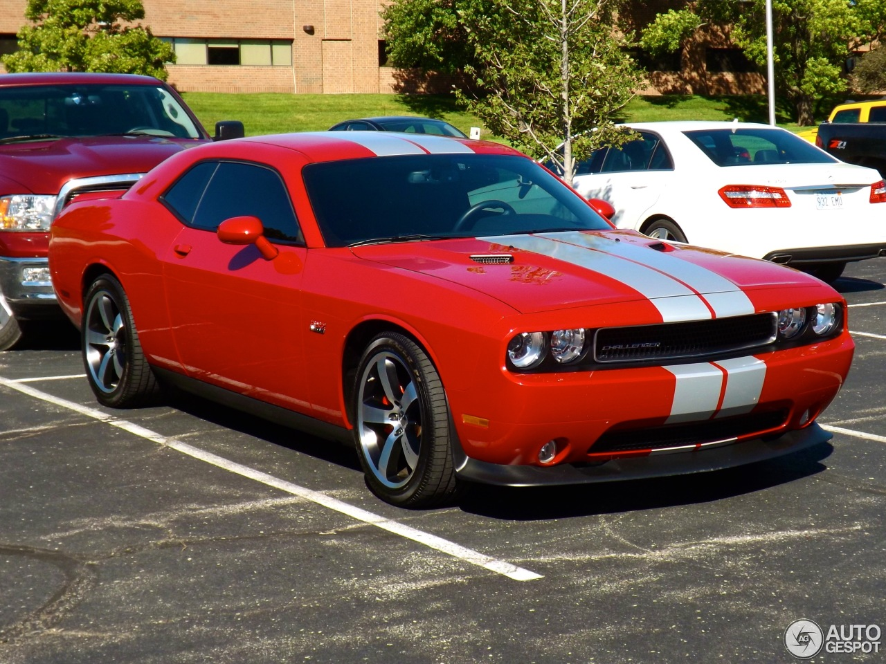 dodge challenger 2013 srt 8 autos post. Black Bedroom Furniture Sets. Home Design Ideas
