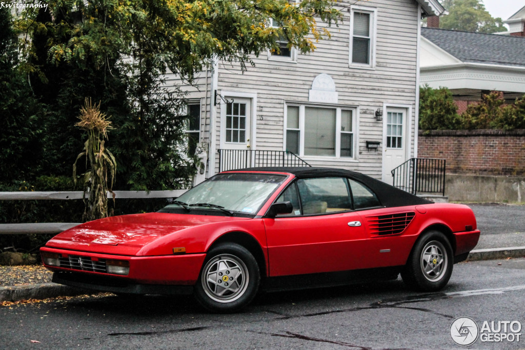 ferrari mondial 3 2 cabriolet 14 november 2013 autogespot. Black Bedroom Furniture Sets. Home Design Ideas