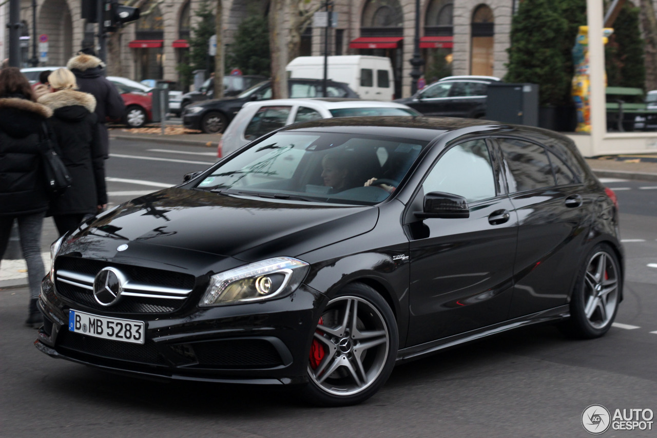 mercedes benz a 45 amg 16 novembre 2013 autogespot. Black Bedroom Furniture Sets. Home Design Ideas