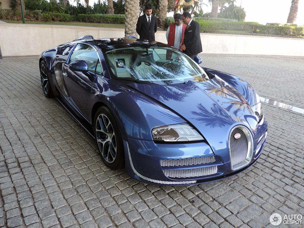 bugatti veyron 16 4 grand sport vitesse 21 november 2013 autogespot. Black Bedroom Furniture Sets. Home Design Ideas