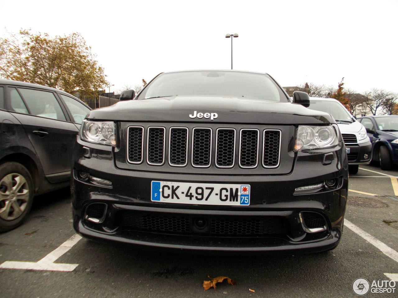 jeep grand cherokee srt 8 2012 24 november 2013 autogespot. Black Bedroom Furniture Sets. Home Design Ideas