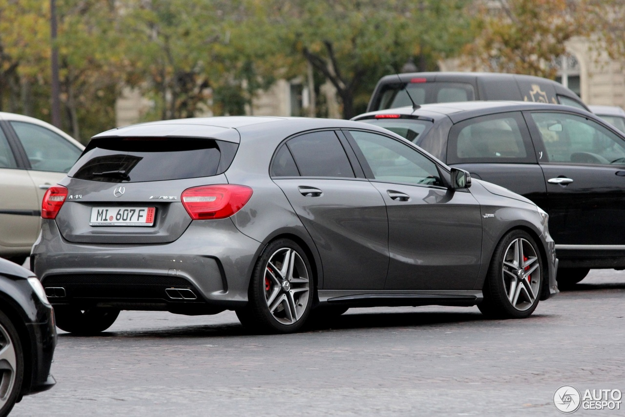 mercedes benz a 45 amg 28 novembre 2013 autogespot. Black Bedroom Furniture Sets. Home Design Ideas