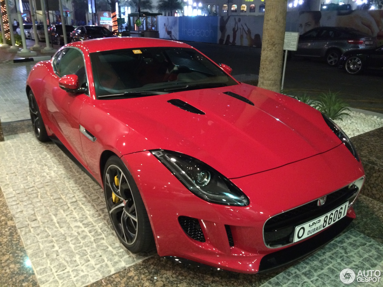 Jaguar F-TYPE R Coupe 4