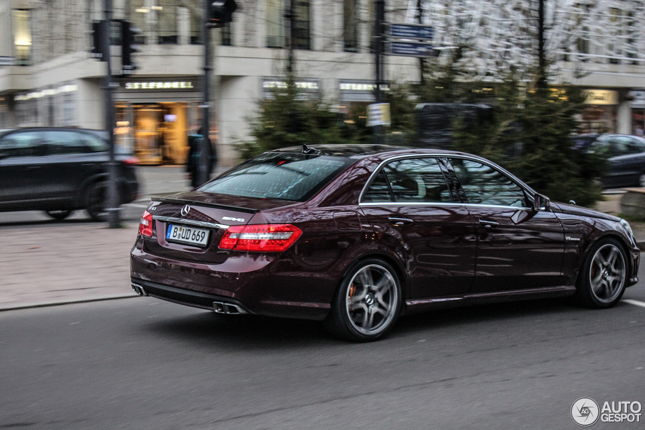 mercedes benz e 63 amg w212 v8 biturbo 12 december 2013 autogespot. Black Bedroom Furniture Sets. Home Design Ideas