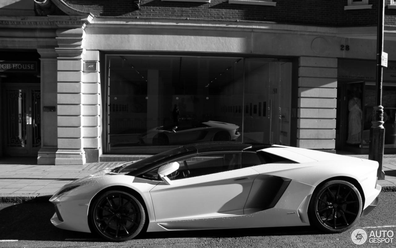 5 i lamborghini aventador lp700 4 roadster 5 - Lamborghini Aventador Roadster White