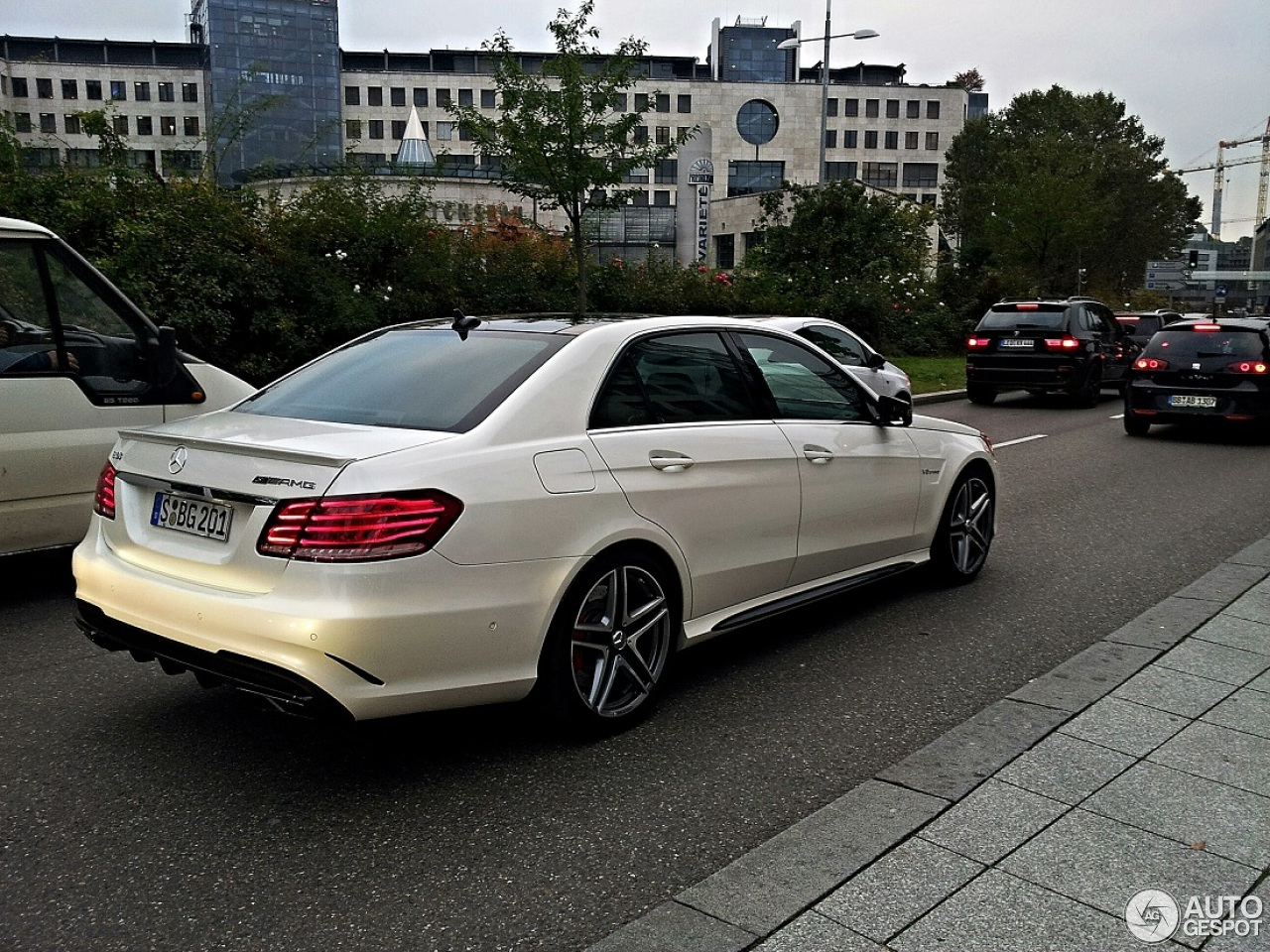 Mercedes Benz E 2017 Price >> Mercedes-Benz E 63 AMG S W212 - 19 December 2013 - Autogespot