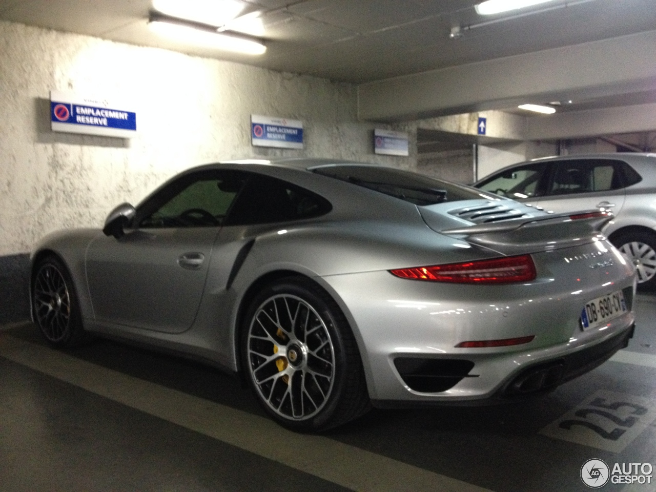 porsche 991 turbo s 20 december 2013 autogespot. Black Bedroom Furniture Sets. Home Design Ideas