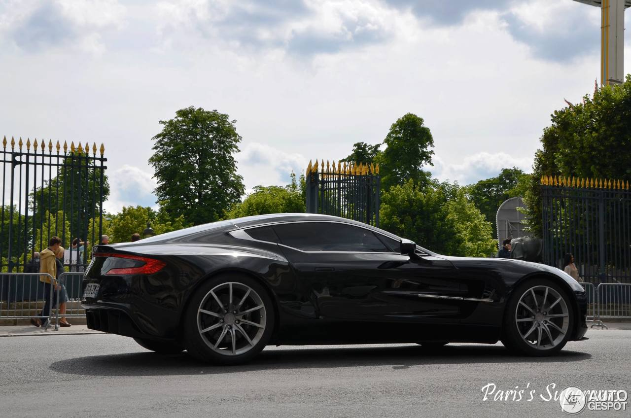 aston martin one 77 30 dcembre 2013 autogespot. Black Bedroom Furniture Sets. Home Design Ideas