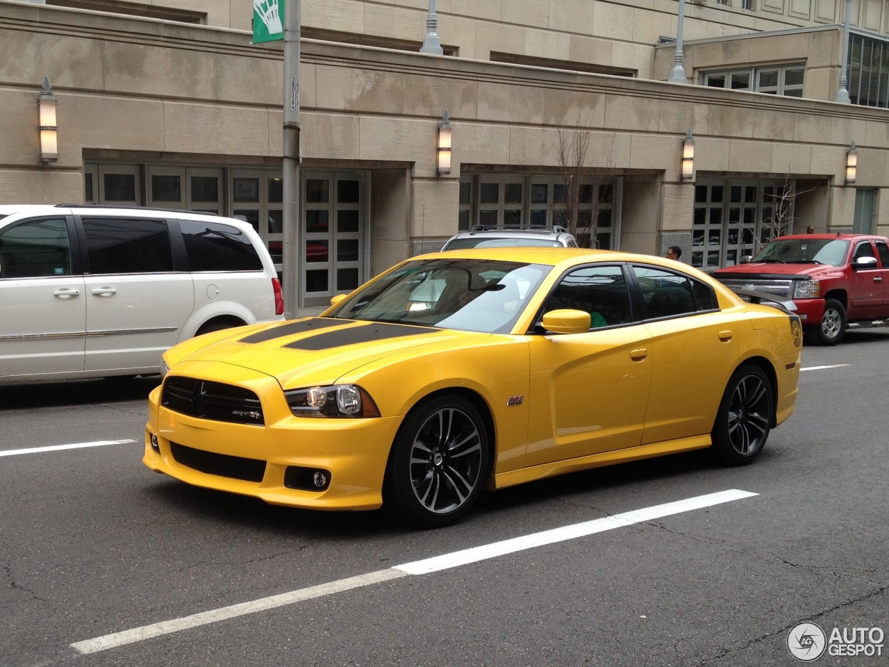2012 dodge charger specifications pdf