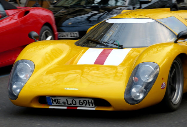 Lola T70 MkIIIb
