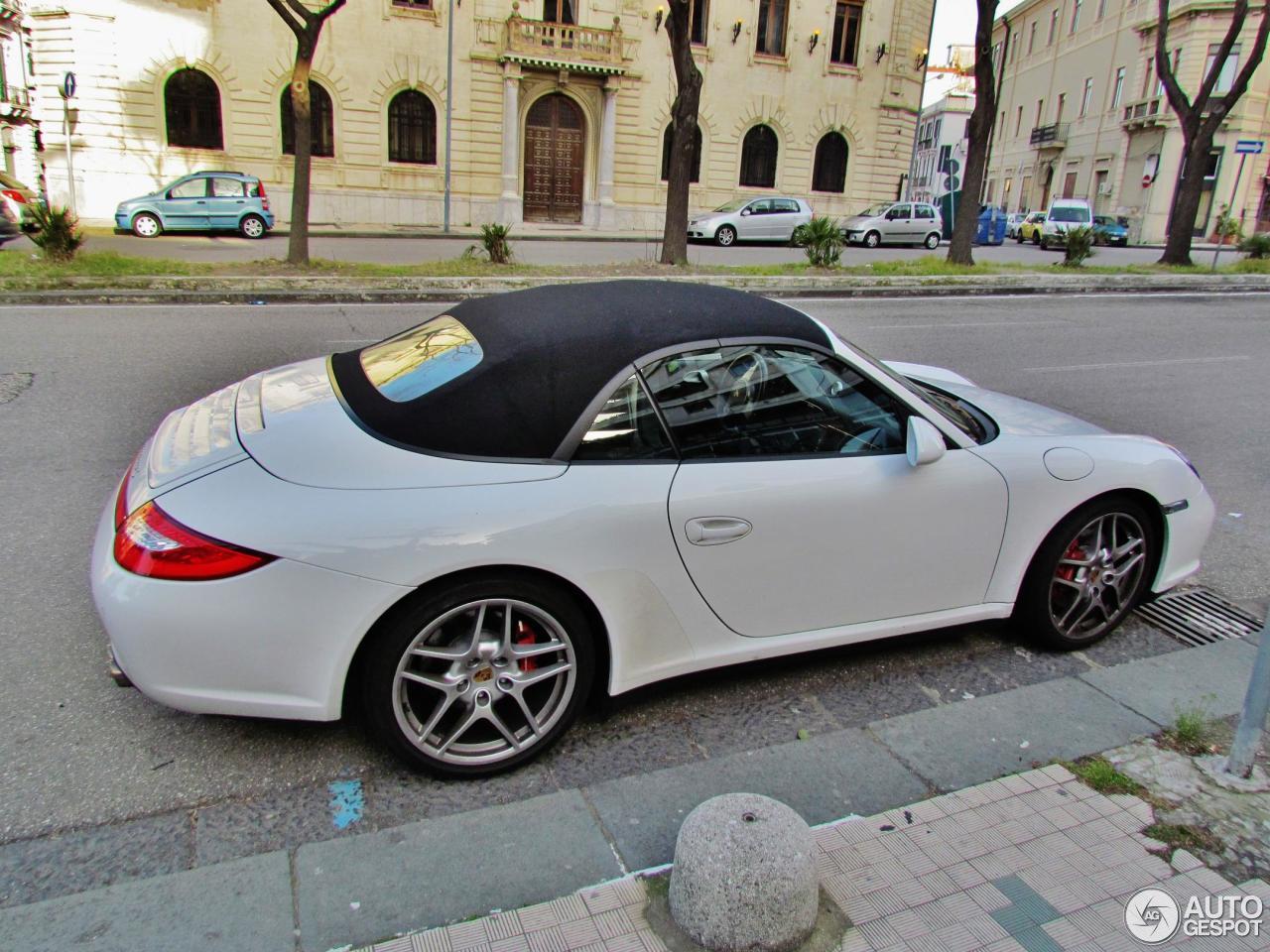 porsche 997 carrera 4s cabriolet mkii 8 april 2013 autogespot. Black Bedroom Furniture Sets. Home Design Ideas
