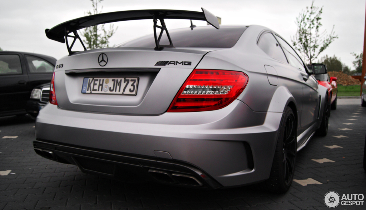 mercedes benz c 63 amg coup black series 4 may 2013. Black Bedroom Furniture Sets. Home Design Ideas