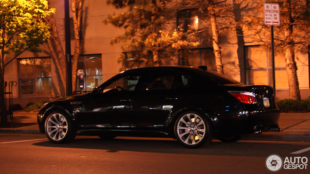 bmw m5 e60 2005 7 may 2013 autogespot. Black Bedroom Furniture Sets. Home Design Ideas