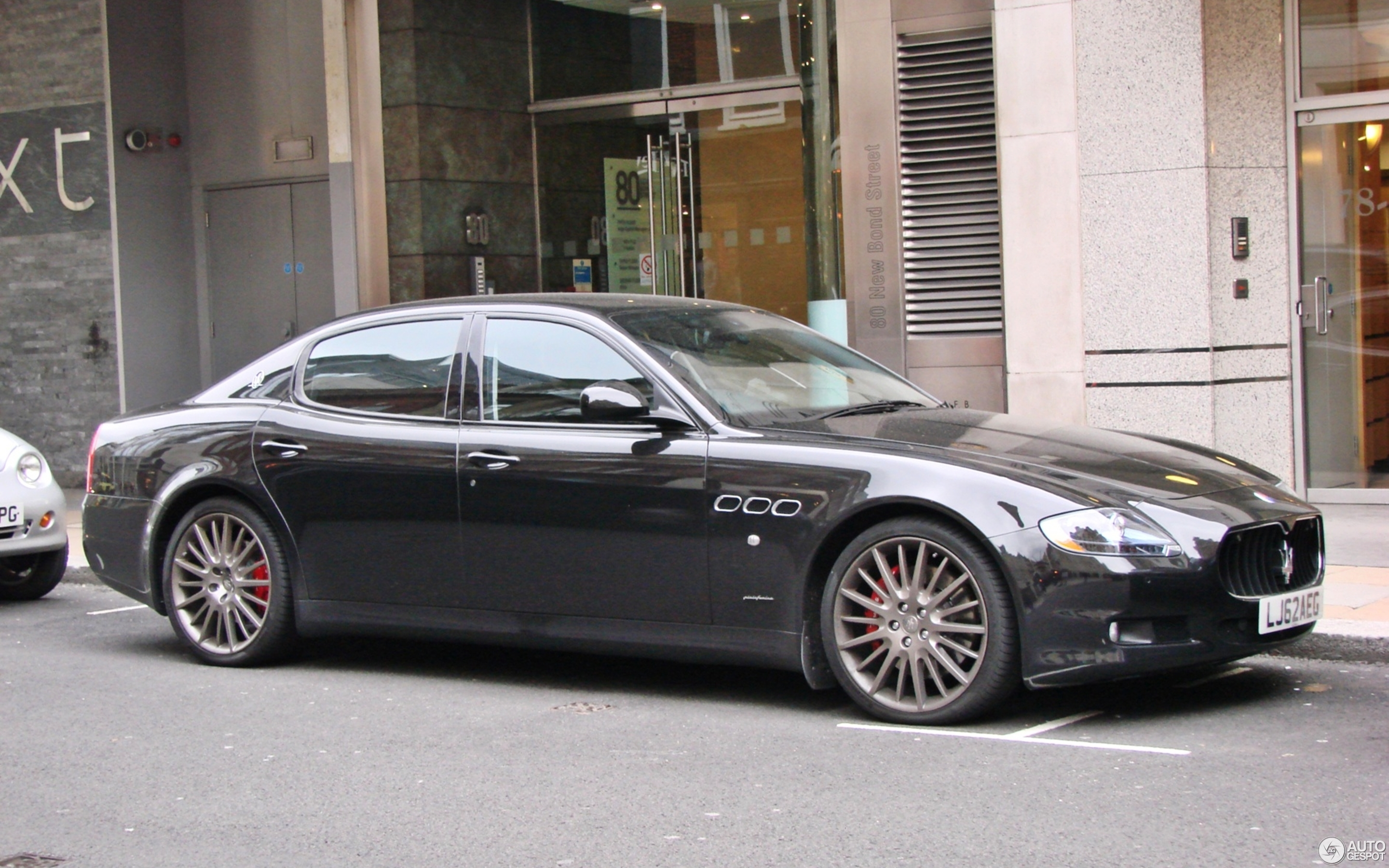 https://ag-spots-2013.o.auroraobjects.eu/2013/05/26/other/2880-1800-crop-maserati-quattroporte-sport-gt-s-2009-c823326052013192828_1.jpg