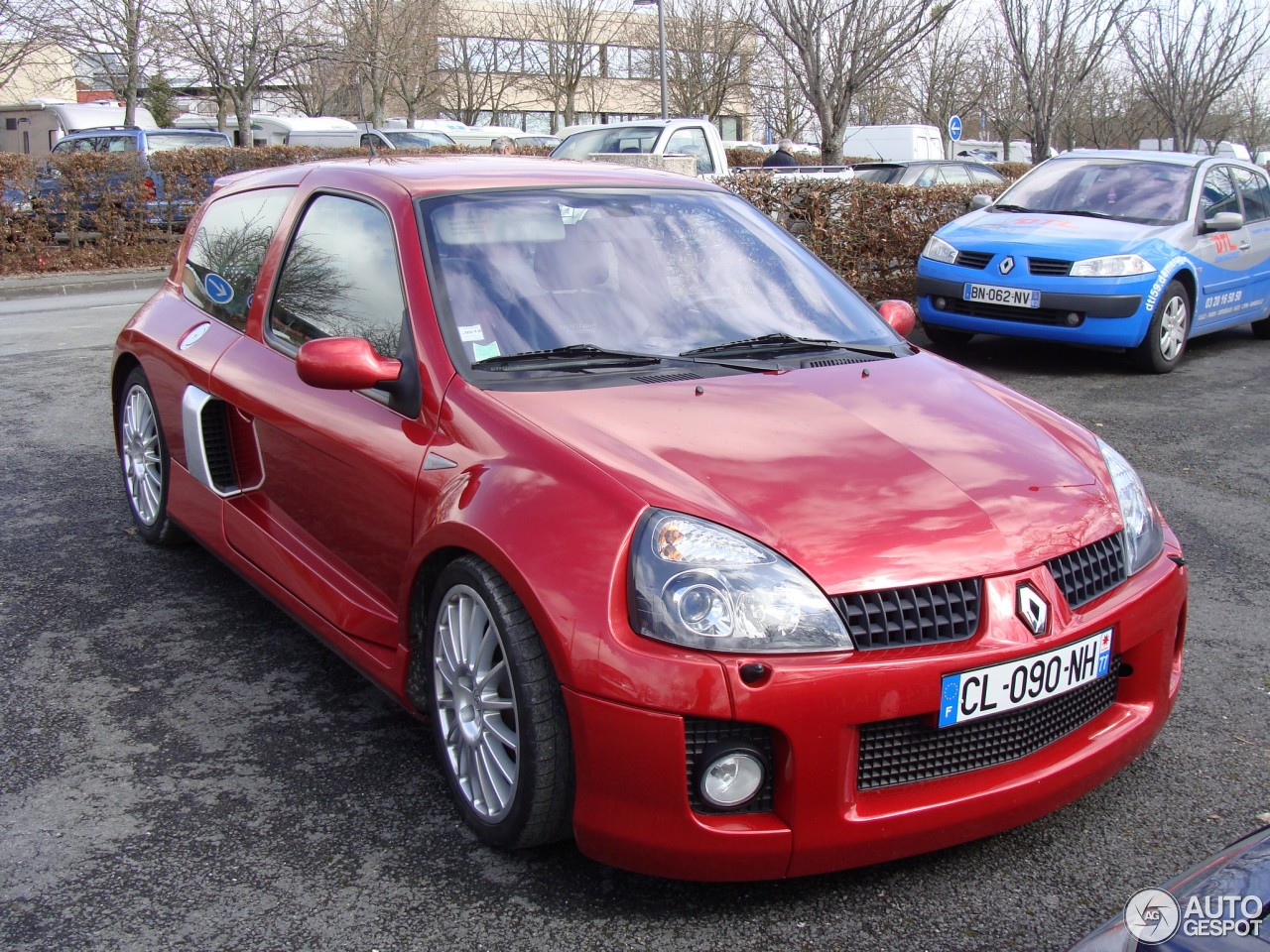 renault clio v6 phase ii 27 mayo 2013 autogespot. Black Bedroom Furniture Sets. Home Design Ideas