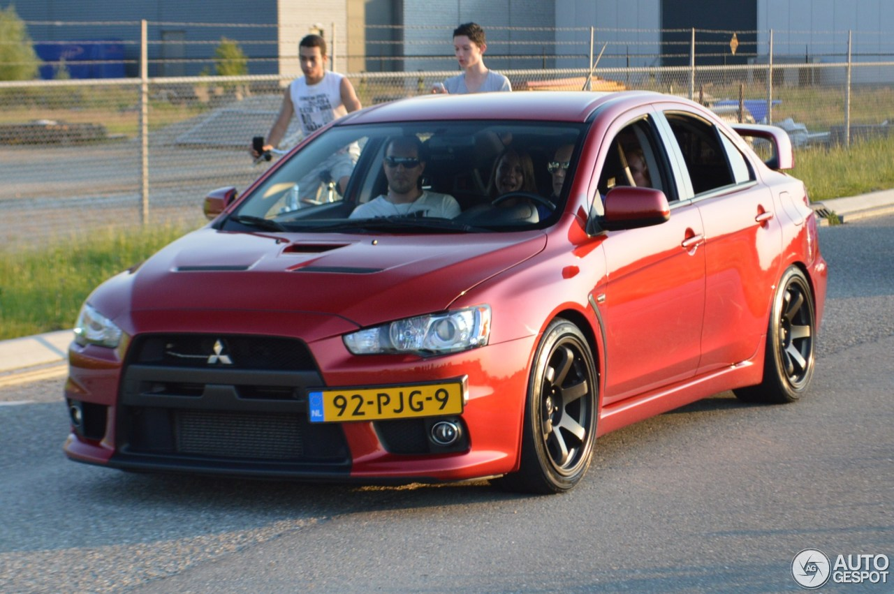 mitsubishi lancer evolution x 8 june 2013 autogespot. Black Bedroom Furniture Sets. Home Design Ideas