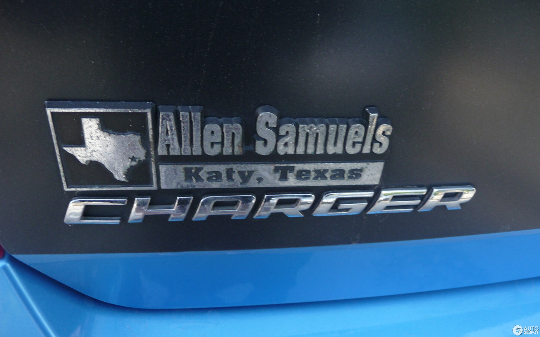 Dodge Charger SRT-8 Super Bee