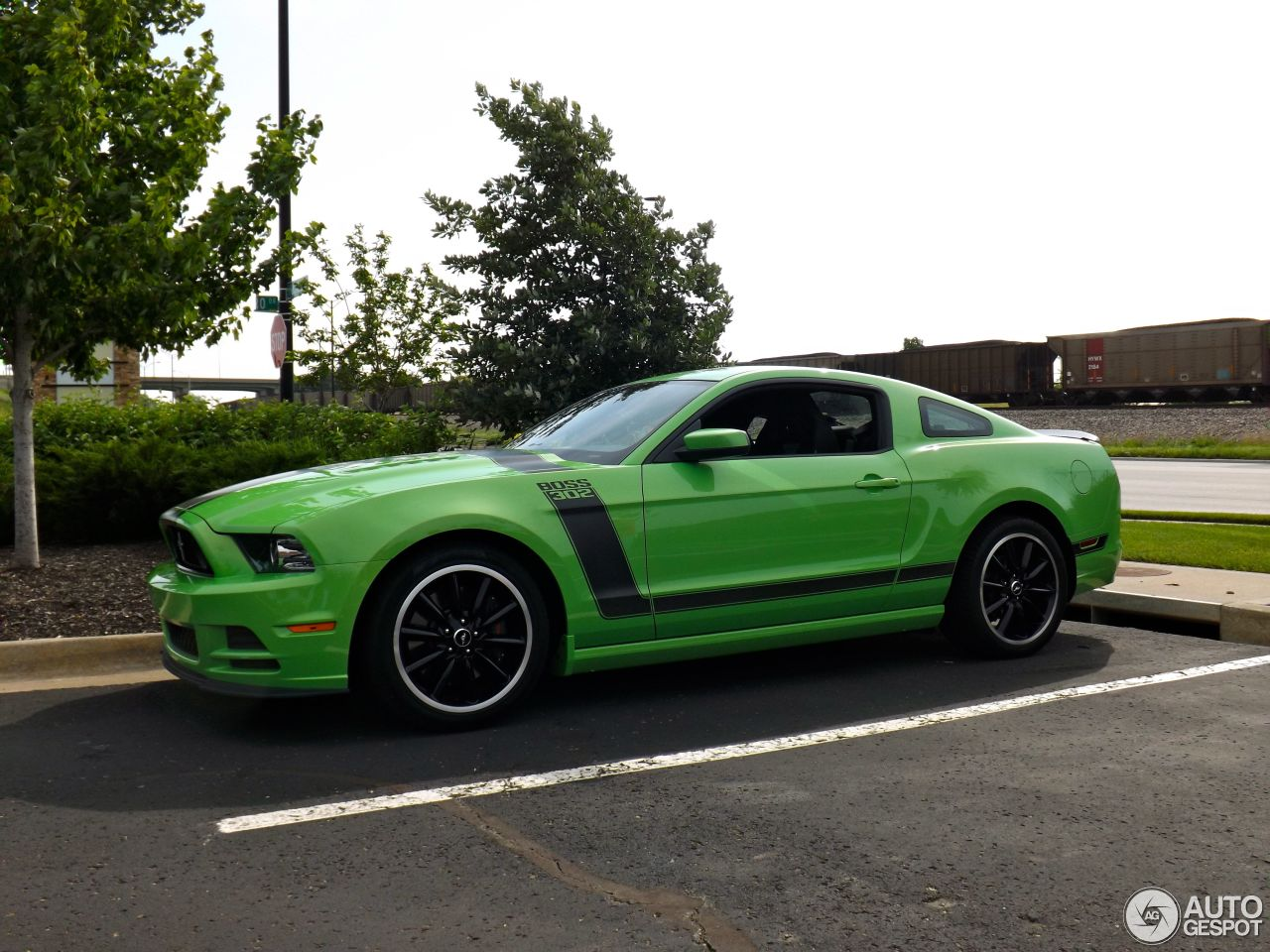 ford mustang boss 302 2013 3 july 2013 autogespot. Black Bedroom Furniture Sets. Home Design Ideas