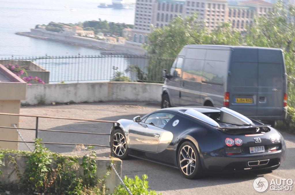 bugatti veyron 16 4 grand sport vitesse 6 ao t 2013. Black Bedroom Furniture Sets. Home Design Ideas