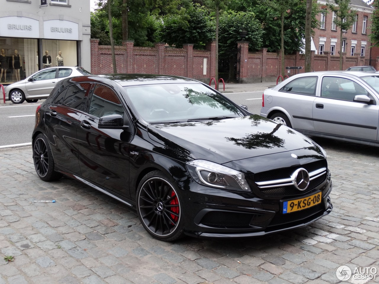 mercedes benz a 45 amg 16 august 2013 autogespot. Black Bedroom Furniture Sets. Home Design Ideas
