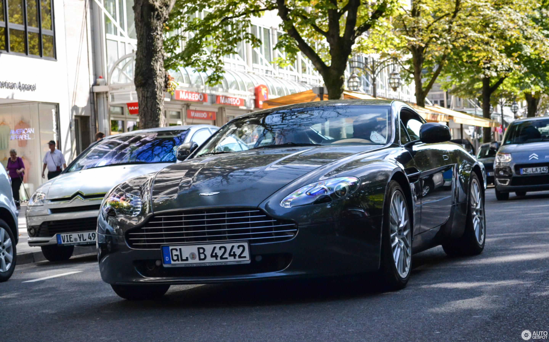 Aston Martin V Vantage August Autogespot - Aston martin apparel