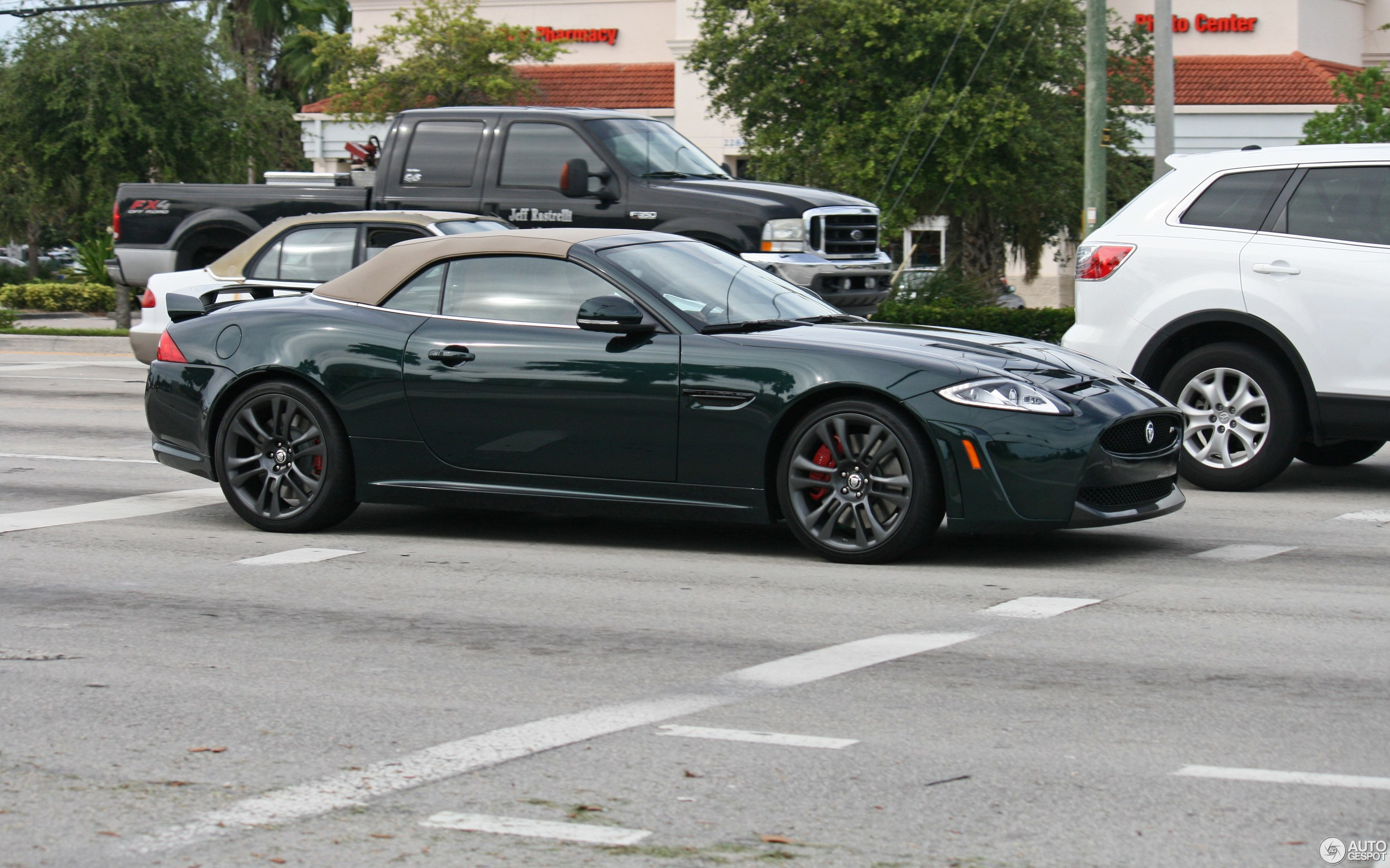 Jaguar XKR-S Convertible 2012