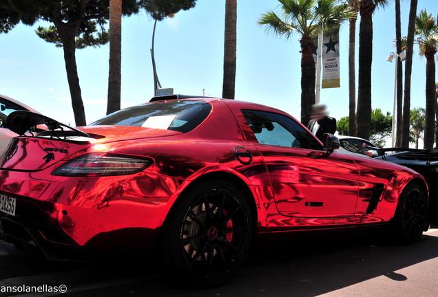 Mercedes-Benz Oakley Design SLS AMG Carbon Edition