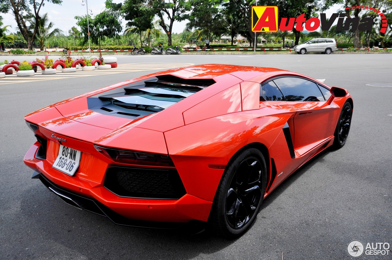 lamborghini aventador lp700 4 5 september 2013 autogespot. Black Bedroom Furniture Sets. Home Design Ideas