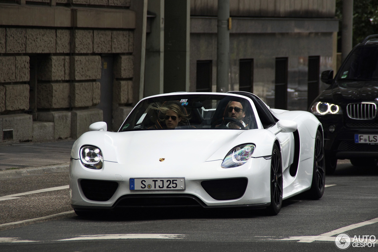 porsche 918 spyder 11 september 2013 autogespot. Black Bedroom Furniture Sets. Home Design Ideas