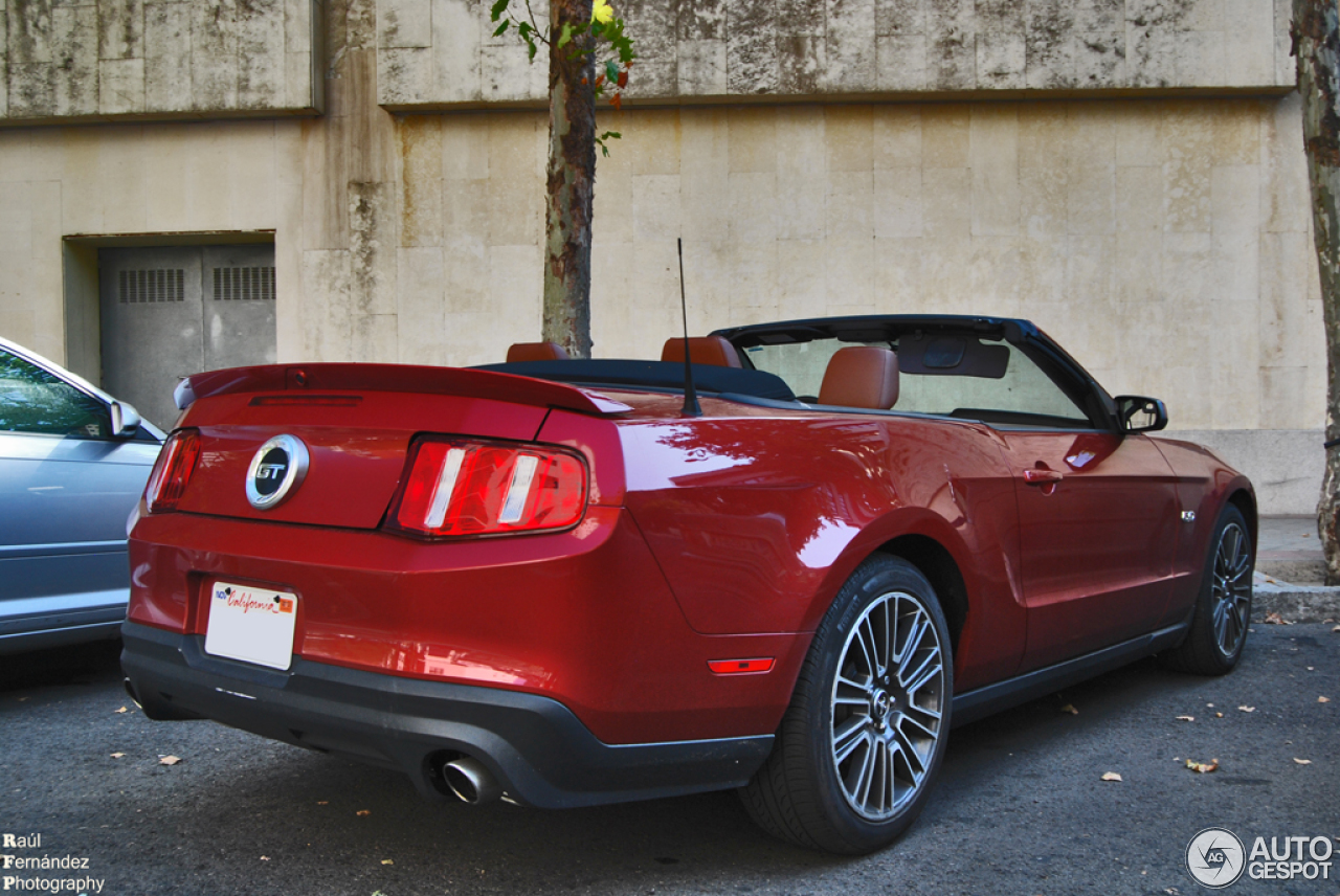 ford mustang gt convertible 2011 27 septiembre 2013. Black Bedroom Furniture Sets. Home Design Ideas