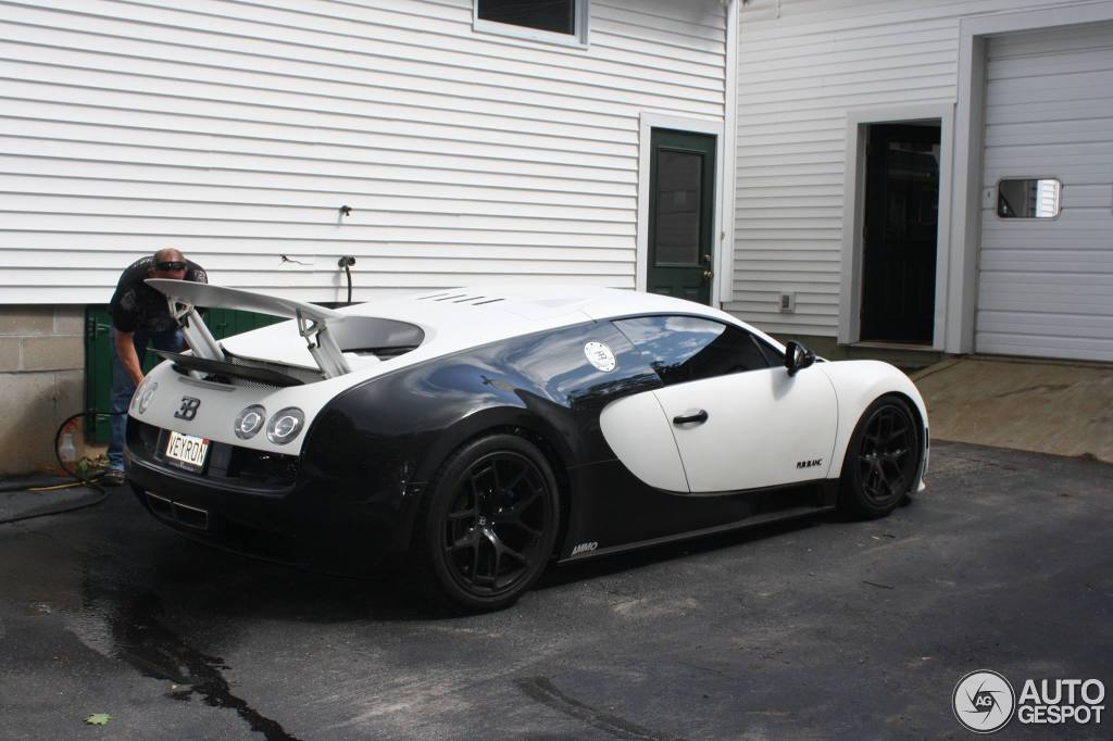 bugatti veyron 16 4 super sport pur blanc 8 october 2013 autogespot. Black Bedroom Furniture Sets. Home Design Ideas