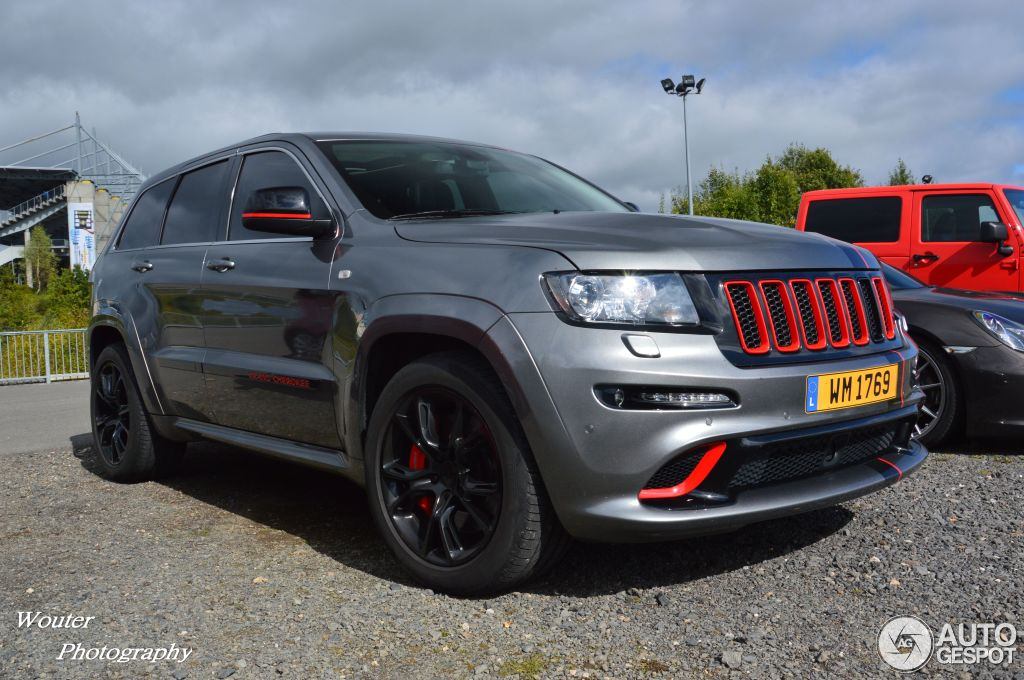 jeep grand cherokee srt 8 2012 29 oktober 2013 autogespot. Black Bedroom Furniture Sets. Home Design Ideas